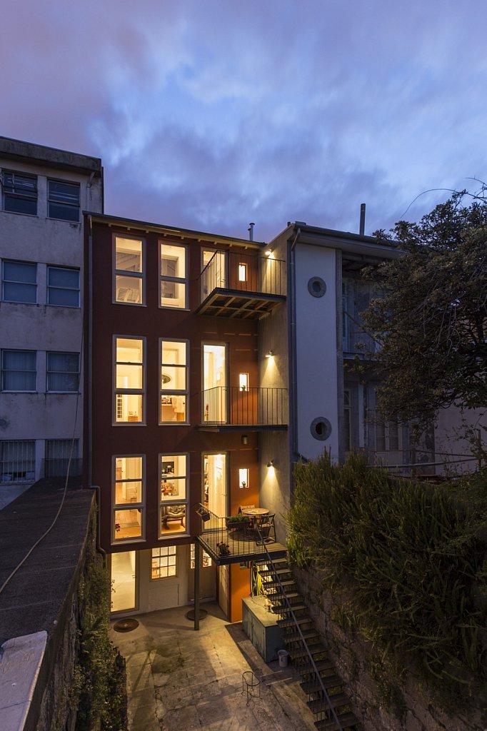 Almada House
